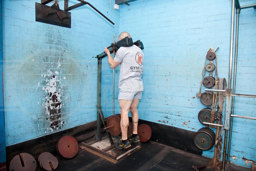 standing calf raises smith machine